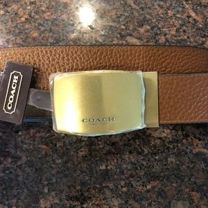 NWT Mens Coach reversable belt